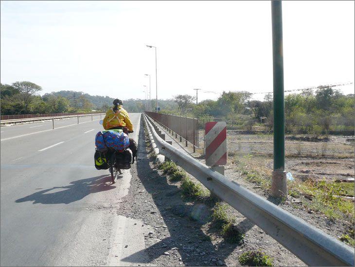 i86_02_metan_ruta_9_salta_viajar_mundo_en_bicicleta