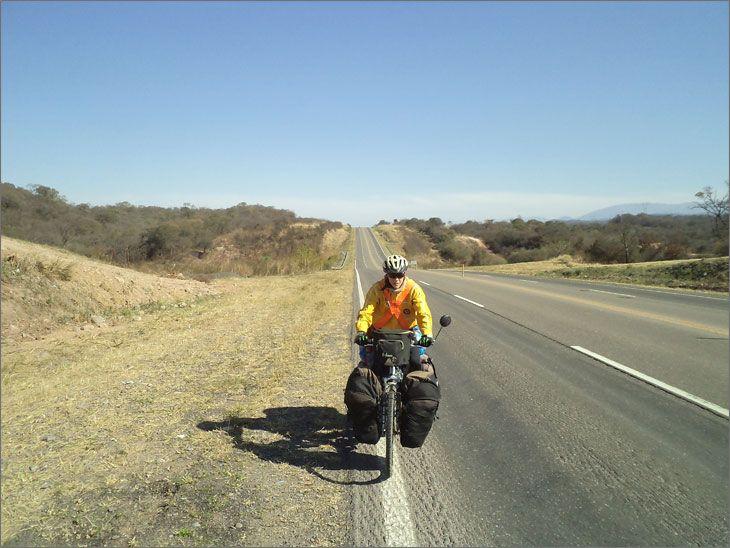 i86_03b_salida_metan_ruta_9_salta_viajar_mundo_en_bicicleta