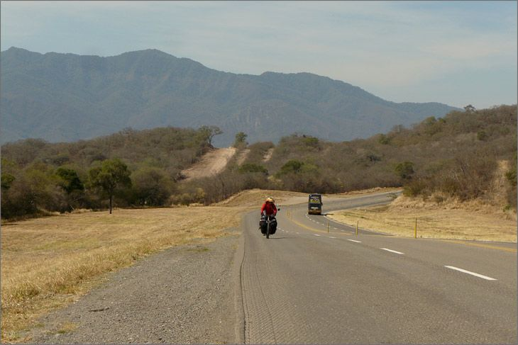 i86_14_ruta_9_salta_viajar_mundo_en_bicicleta